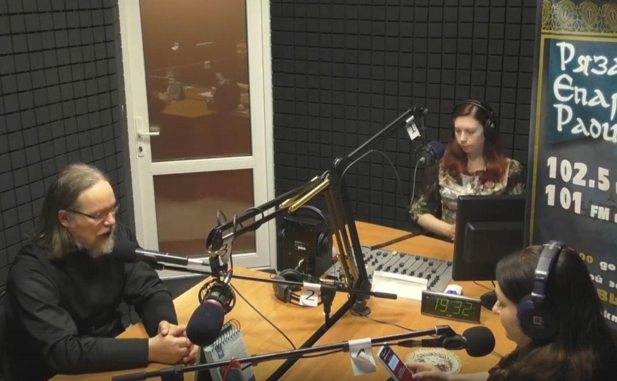 Митрополит Марк ответил на вопросы слушателей Рязанского епархиального радио