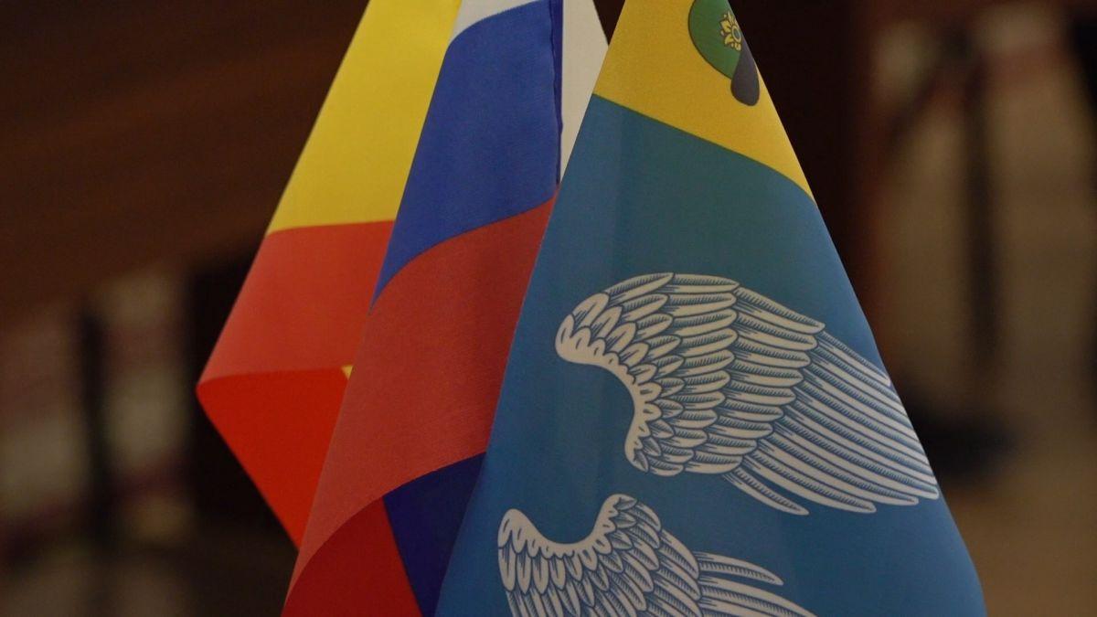 Клирик Михайловского благочиния поздравил юных жителей района с получением паспортов