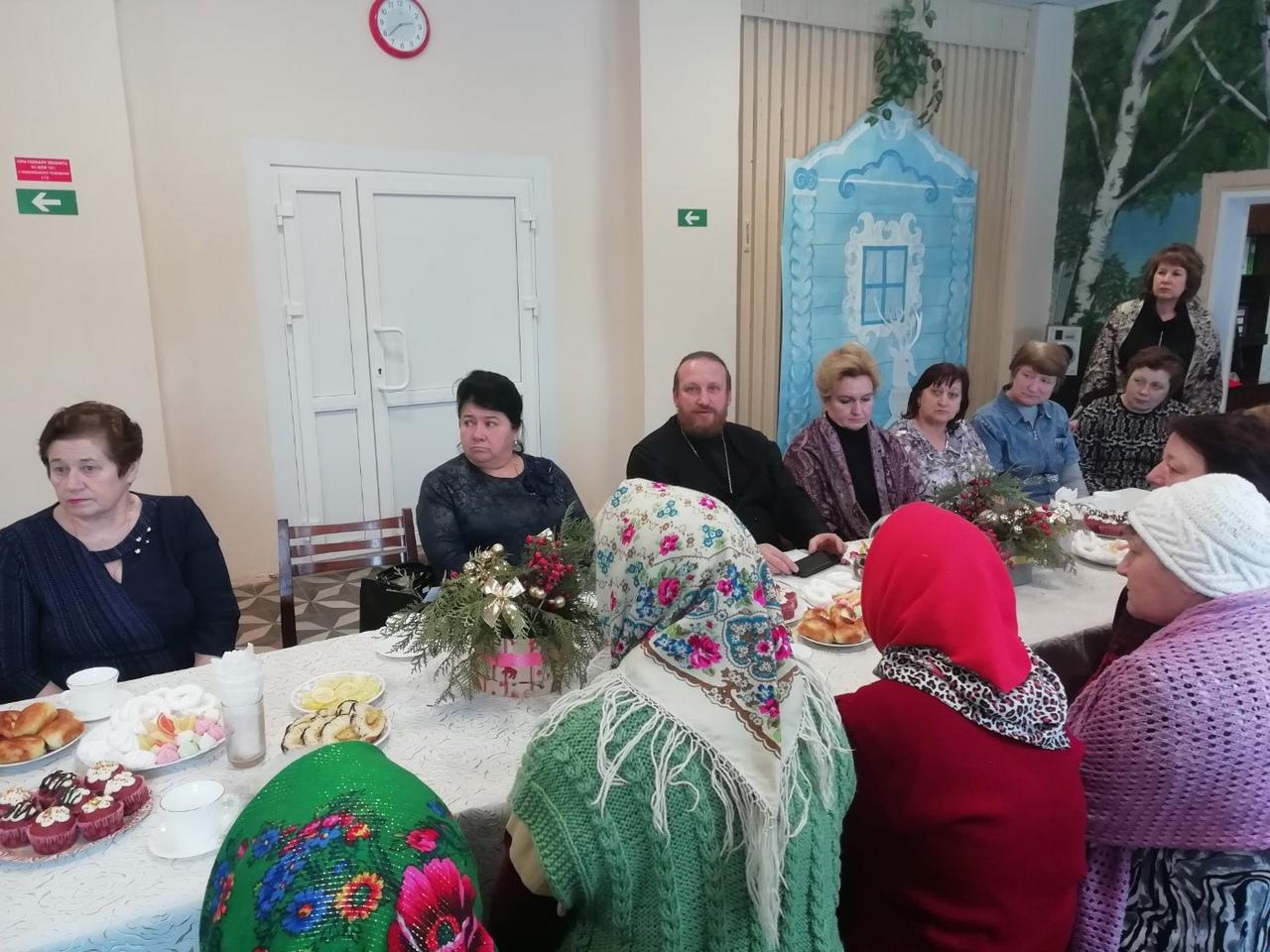 Благочинный Михайловского первого округа пообщался с подопечными комплексного центра социального обслуживания населения
