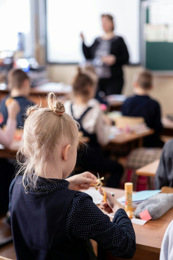 «Беседу о самом главном» и мастер-класс провели сотрудники Вознесенского храма в одной из школ Рязани
