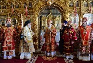 Литургия в Неделю 5-ю по Пасхе в Покровском соборе Пантелеимонова монастыря на Афоне