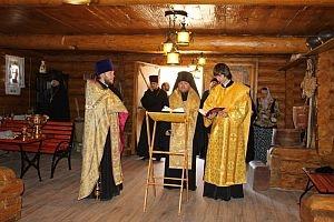 Епископ Матфей освятил здание монастырского кафе «Амбар» на Выше (+фото)