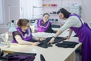 «Рязанской ризнице» — полгода: о первых итогах работы, швейном деле и «православной одежде»