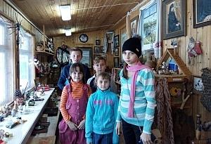 Иоанно-Богословский монастырь и музей игрушки: у ребят из села Льгово состоялась познавательная поездка в Пощупово