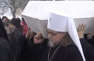 Митрополит Марк молился за Божественной литургией и отпеванием архимандрита Кирилла (Павлова) в Троице-Сергиевой лавре